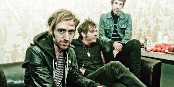 A Place to Bury Strangers: Photo-App Videos das neue Ding