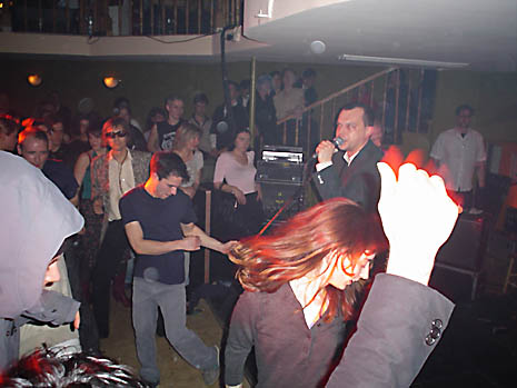 Dancing to The Nothings @ Elvis Birthday Gala,  Photo by A.C. Horn © Dorfdisco 2005